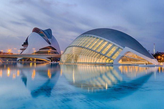 Valencia intensifica su acción promocional para atraer más turistas